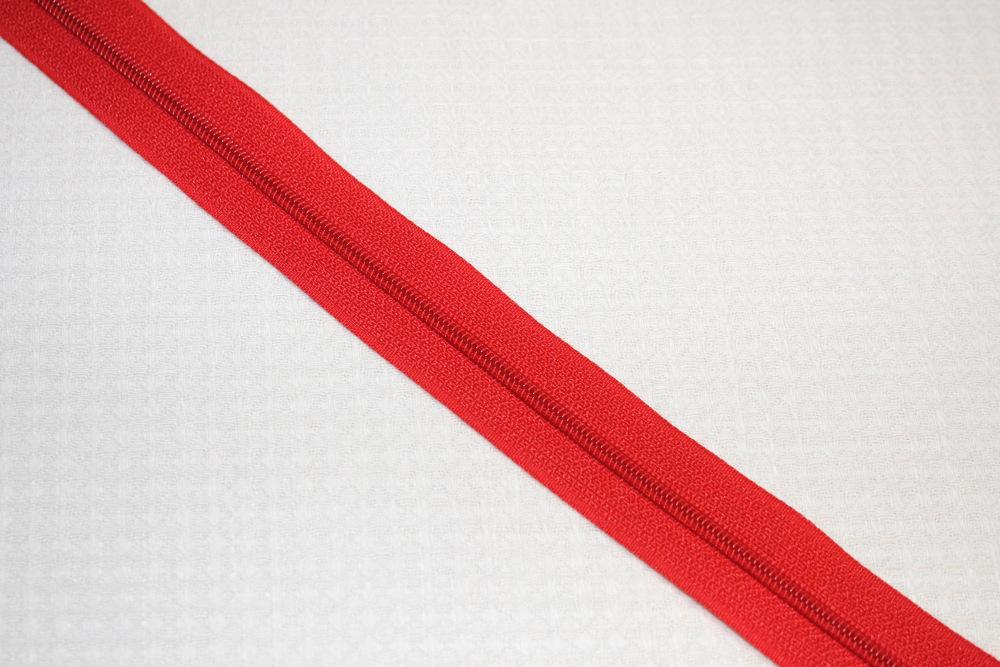 punainen-vetoketju