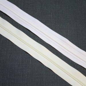 valkoinenluonnonvalkoinen-vetoketju
